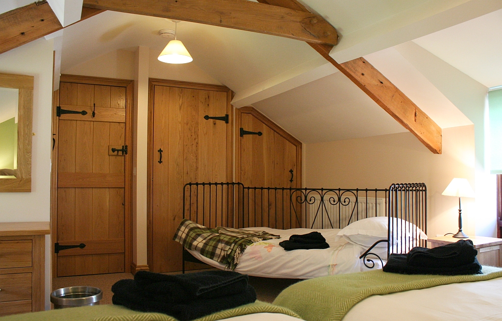 upstairs-3-bed-with-day-bed1